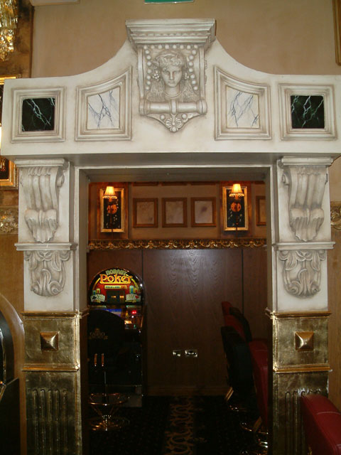 Stunning casino treated to a range of specialist and decorative paint finishes. Hand painted marbles, faux finishes and gold leaf gilding all carried out by Devlin In Design.