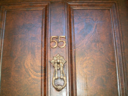 Restored walnut woodgrain, decorative painters UK, specialist decorators Ireland