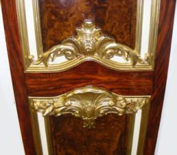 Decorative Gold Leaf, woodgrain panel, specialist decorating UK, specialist decorators