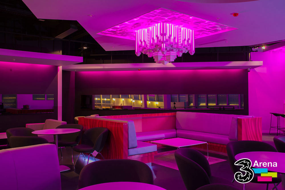 Interior design and construction of various nightclubs requires great execution, especially when incorporating a variety of specialist decorating techniques and spraying methods.